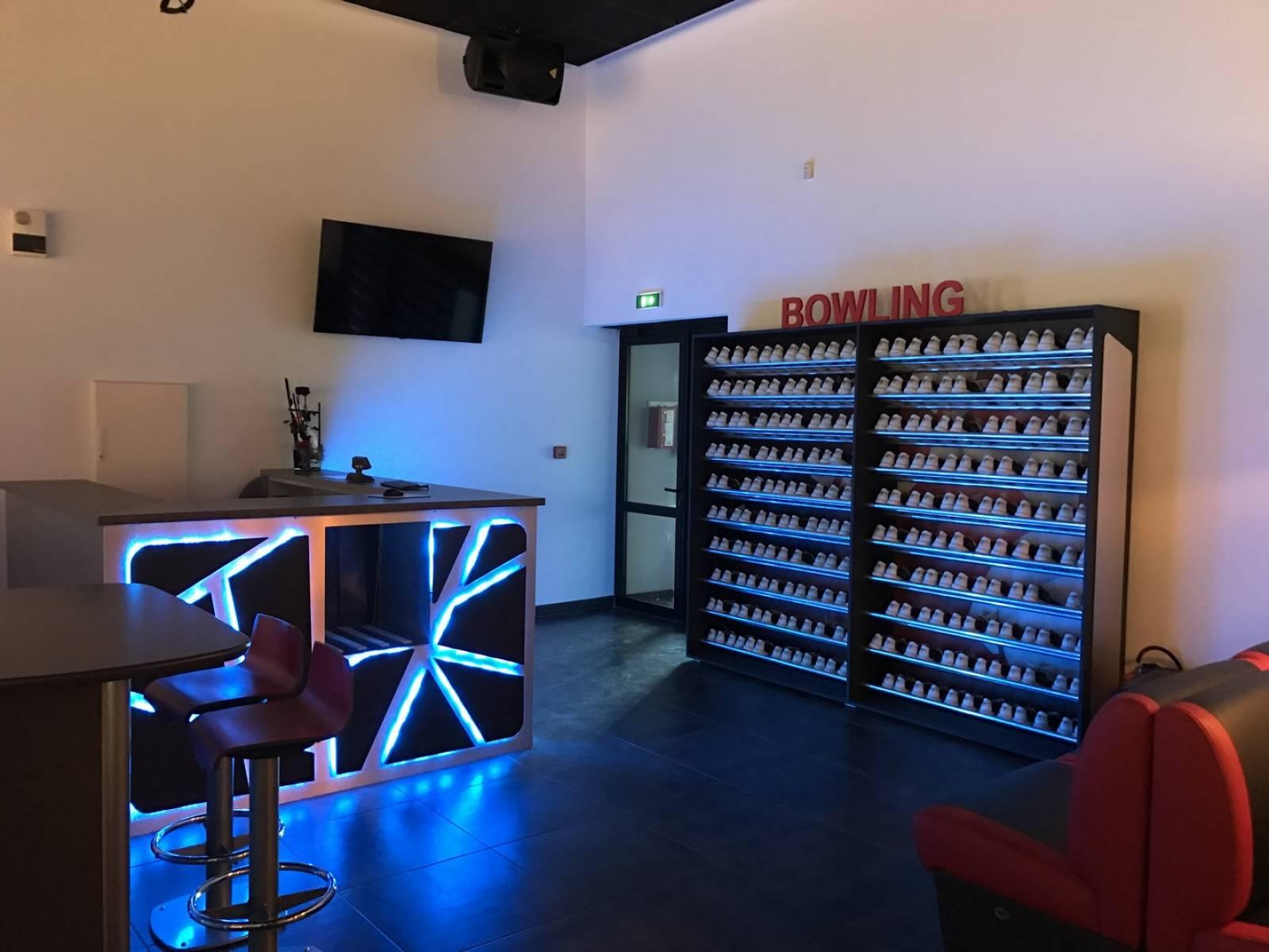 Plan De Meuble A Chaussures meuble à chaussures pour bowling à vitrolles - l'enseigne